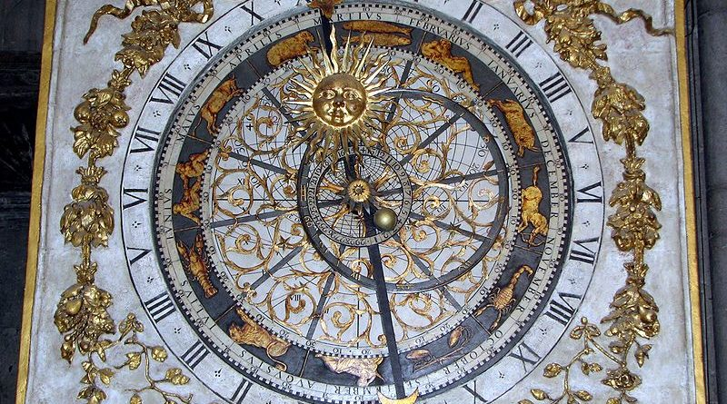 cathedrale saint jean clock