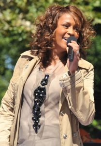 712px-Flickr_Whitney_Houston_performing_on_GMA_2009_4