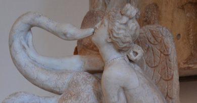 Leda_and_the_Swan_Roman_copy_of_late_Hadrianic